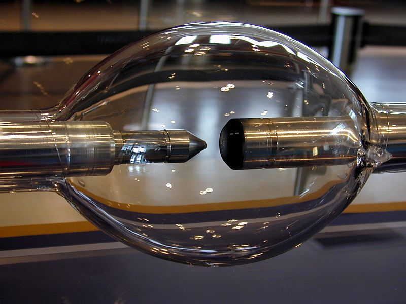 Ксеноновая дуговая лампа (мощность 15 КВт)