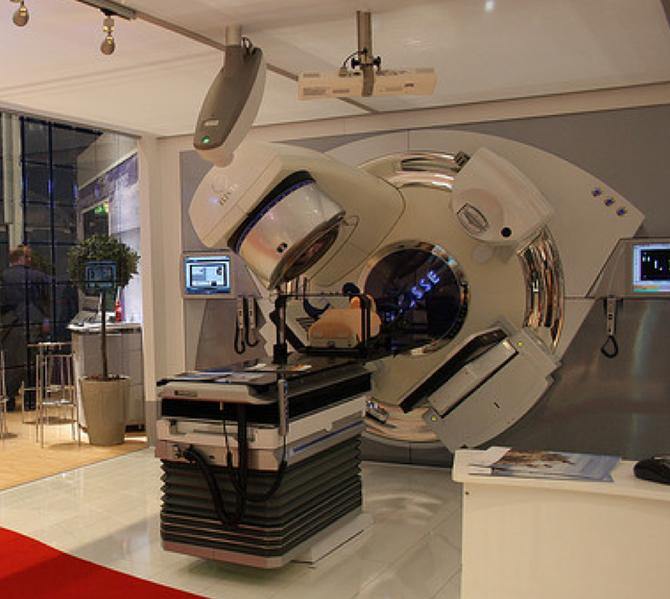 Актиний используется в медицине для радиационной терапии