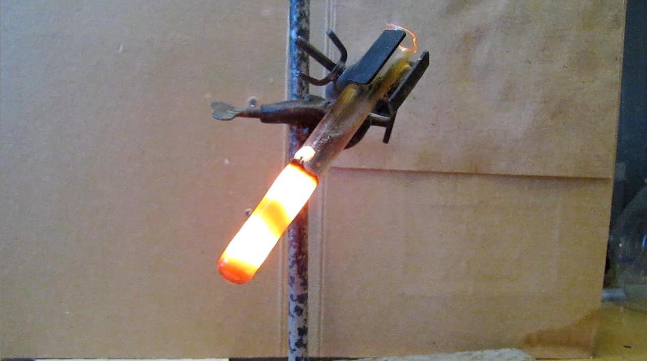 Получение силицида магния (реакция магния и диоксида кремния)