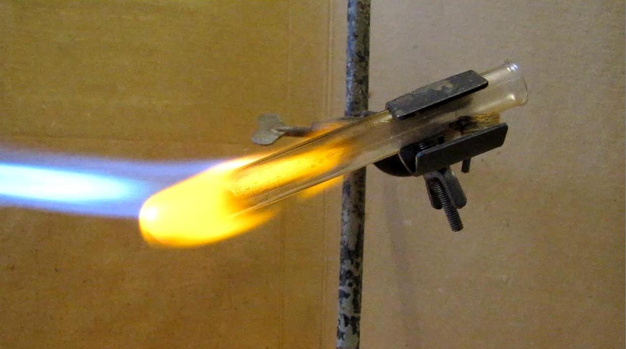 Реакция магния и кремния (получение силицида магния)