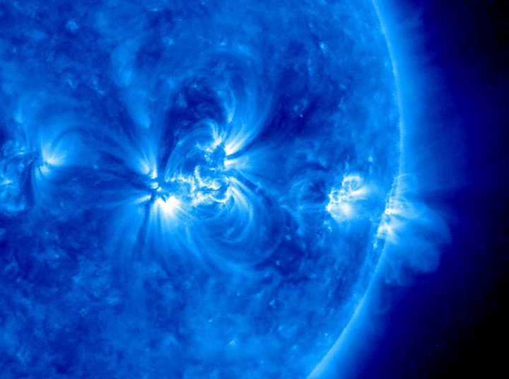 Снимок Солнца в ультрафиолетовых лучах