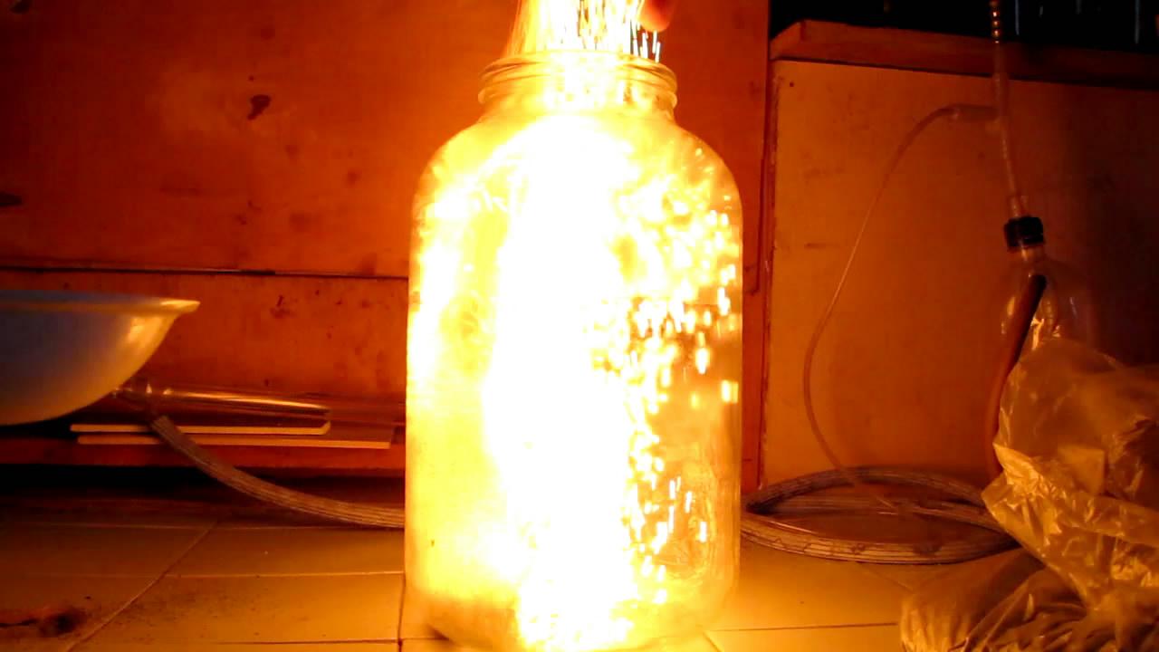 Огненная метель [каталитическое горение аммиака на оксиде хрома (III)]