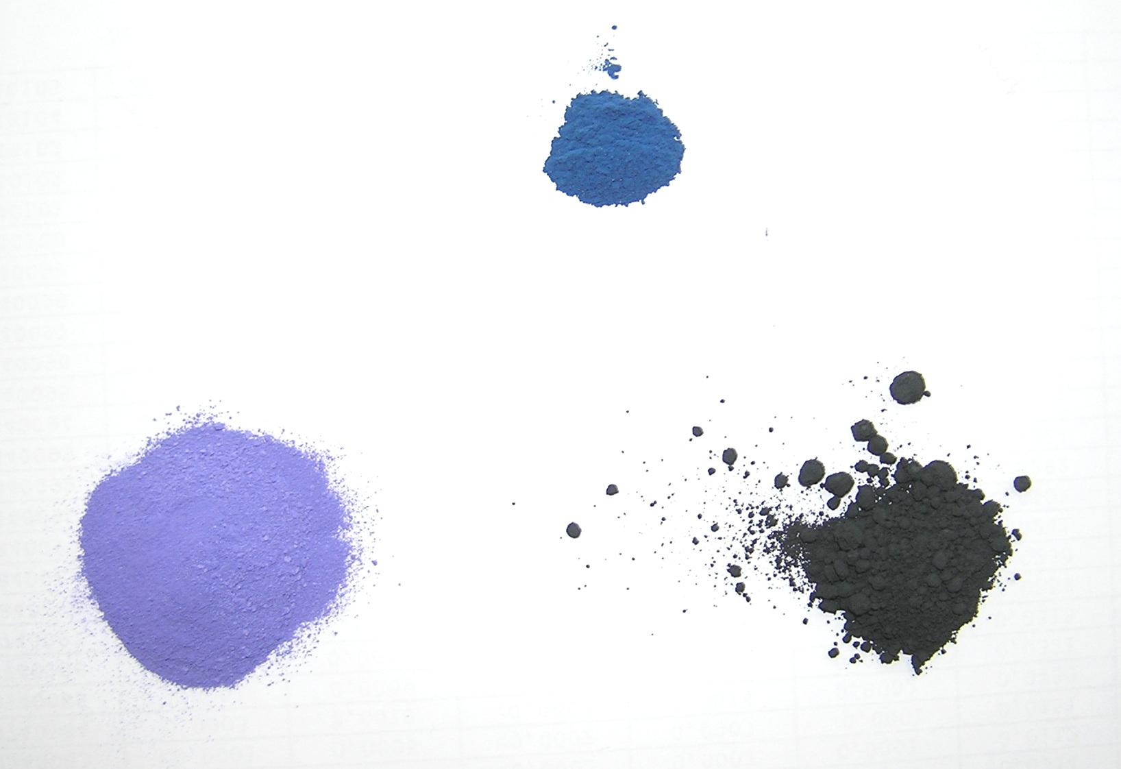 Слева направо: осажденный фосфат кобальта, алюминат кобальта, оксид кобальта