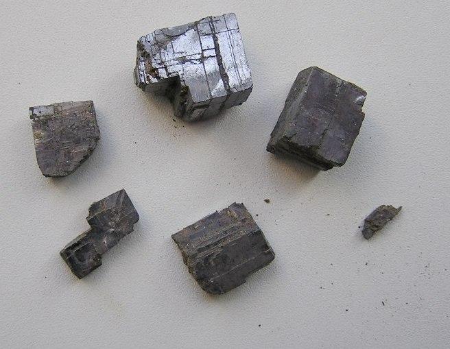 Галенит - минерал, сульфид свинца (II), PbS