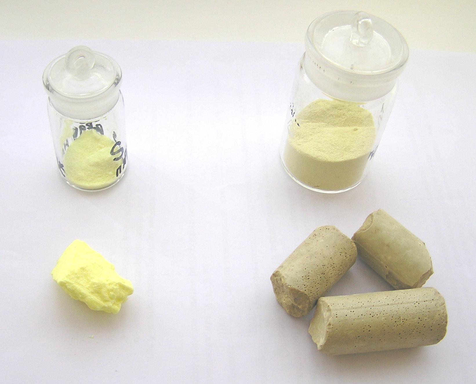 Сера очищенная: кусок и порошок; сера черенковая: куски и порошок