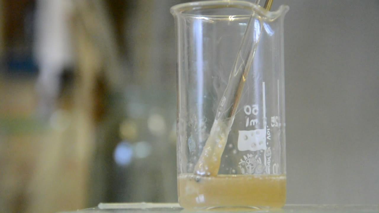 Растворение нейлона в серной кислоте
