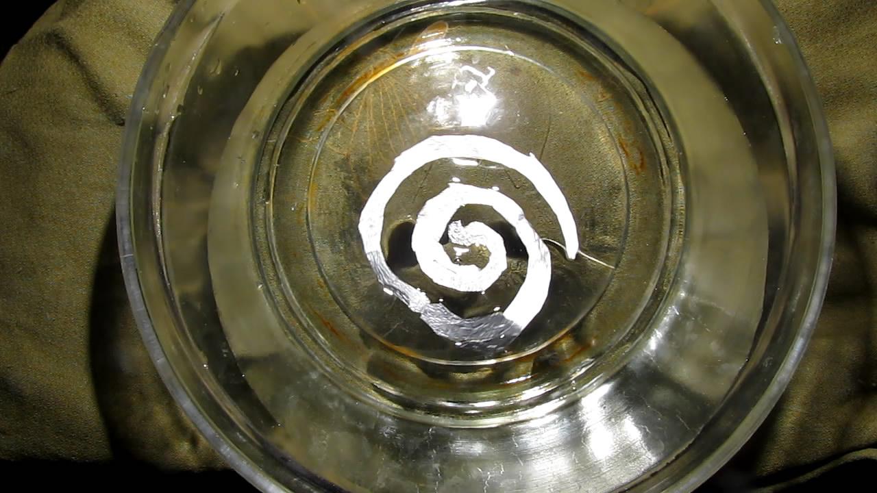Эксперименты с поверхностным натяжением: вращающаяся спираль. Surface Tension Experiments.  Rotating Spiral