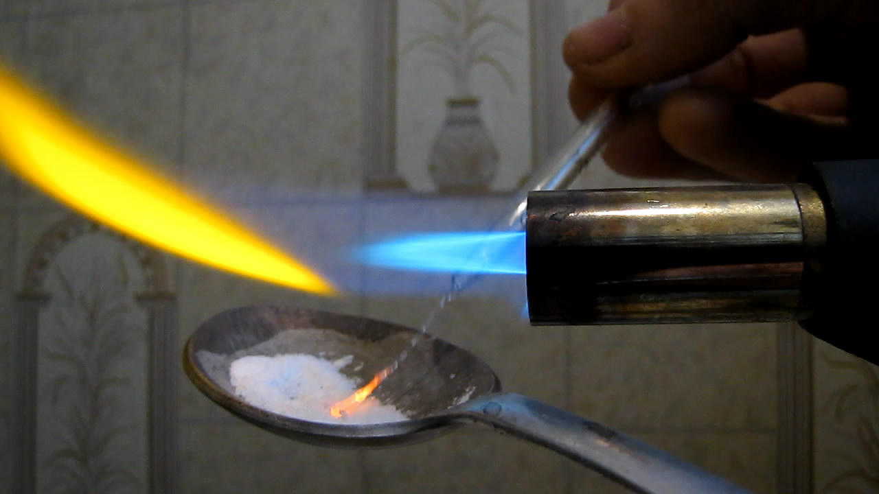 Перлы буры: марганец (MnSO4). Borax bead tests: manganese (MnSO4)