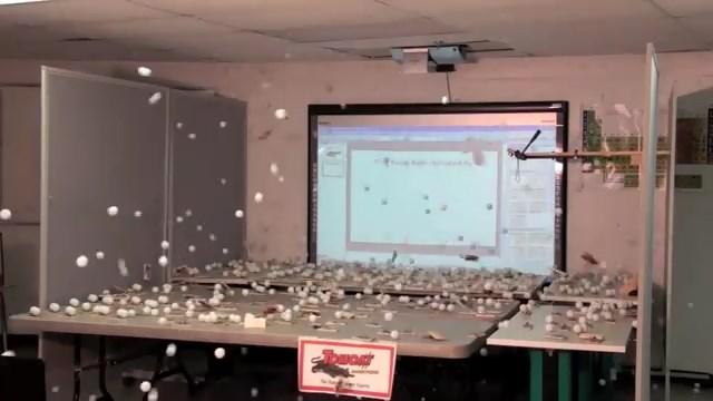 Атомная бомба из... мышеловок (модель). Atomic bomb made of... mousetraps (model)