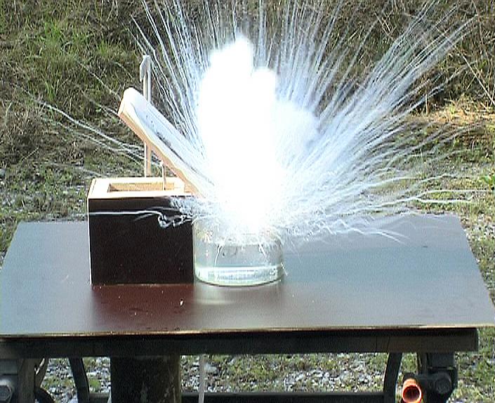 Реакция цезия с водой