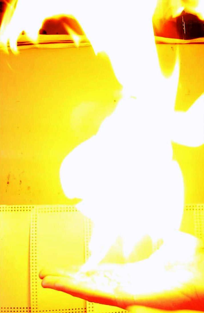 Огонь на ладони (пена с пропан-бутановой смесью). Flame on the Hand - ''Cold Fire''. (Burning Propane-Butane Foam)