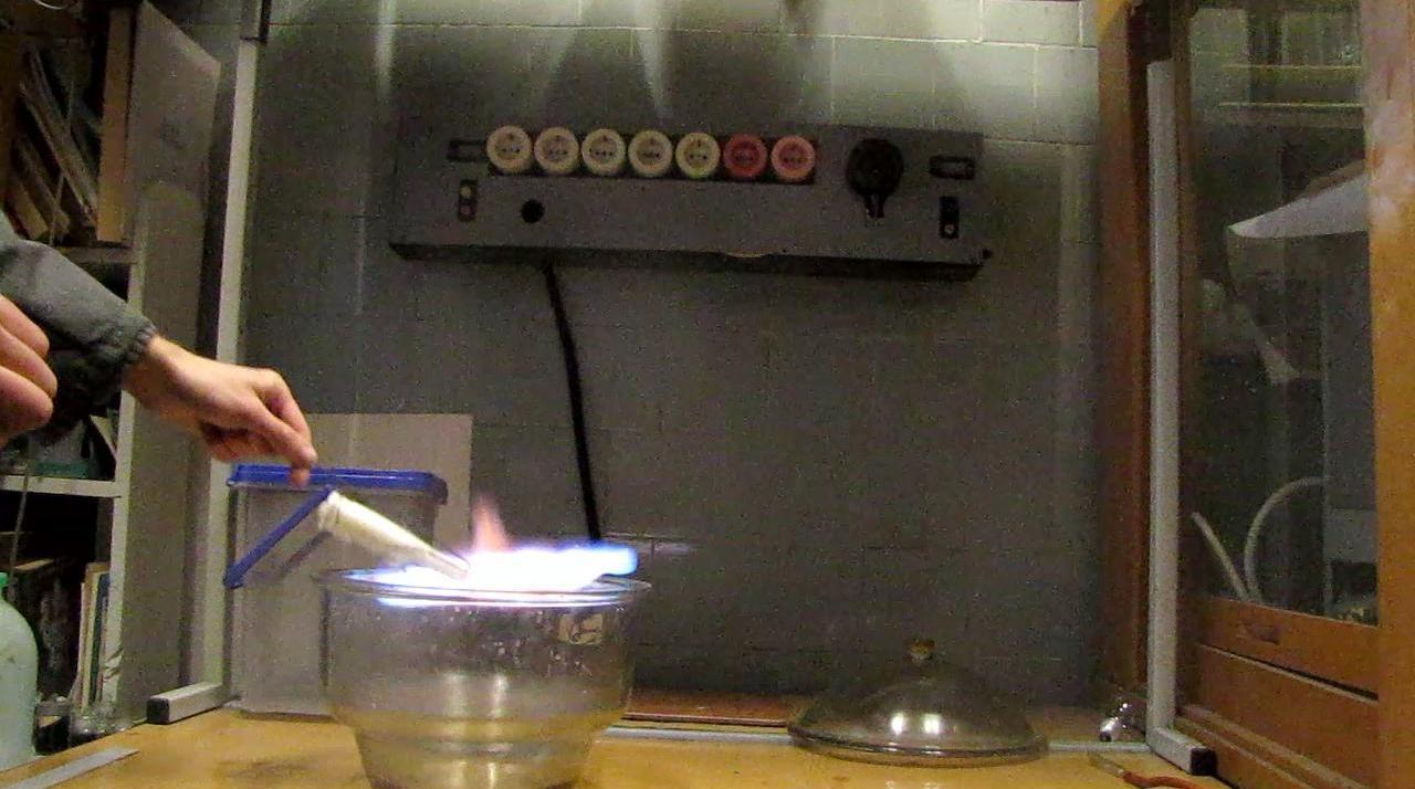 Переливание пропан-бутановой смеси