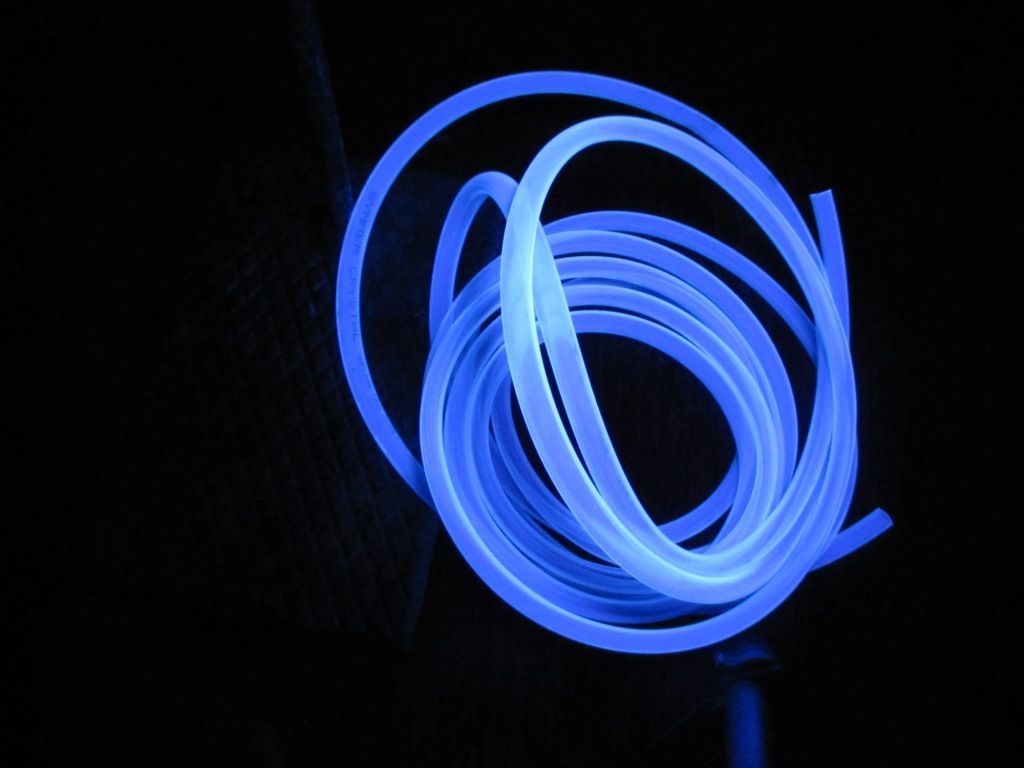 Предметы в ультрафиолетовом свете