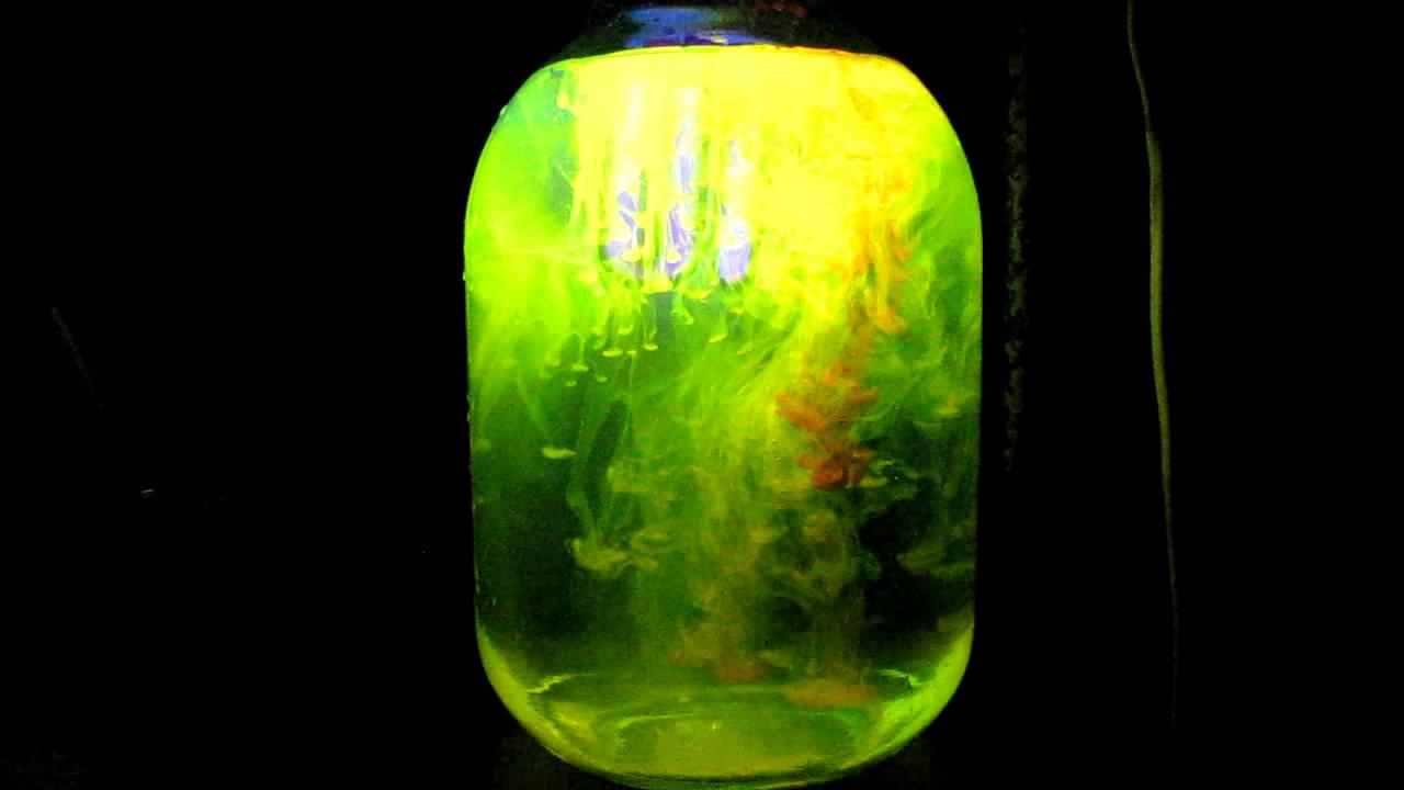 Eosin under Ultraviolet Light (Vortex Rings). Эозин в ультрафиолетовом свете (вихревые кольца)