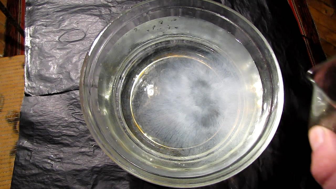 Solution of Rosin in Ethanol was Added to Water. Preparation of Colloid (Sol). Раствор канифоли (сосновой живицы) добавили в воду. Получение коллоидного раствора