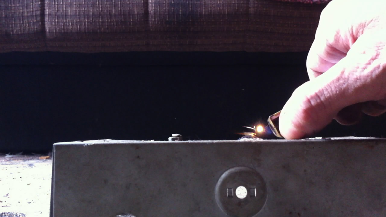 Ниобий и перманганат калия (горение смеси). Niobium and potassium permanganate (combustion of mixture)