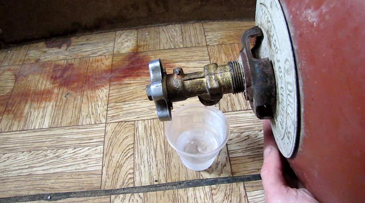 Жидкая пропан-бутановая смесь из баллона