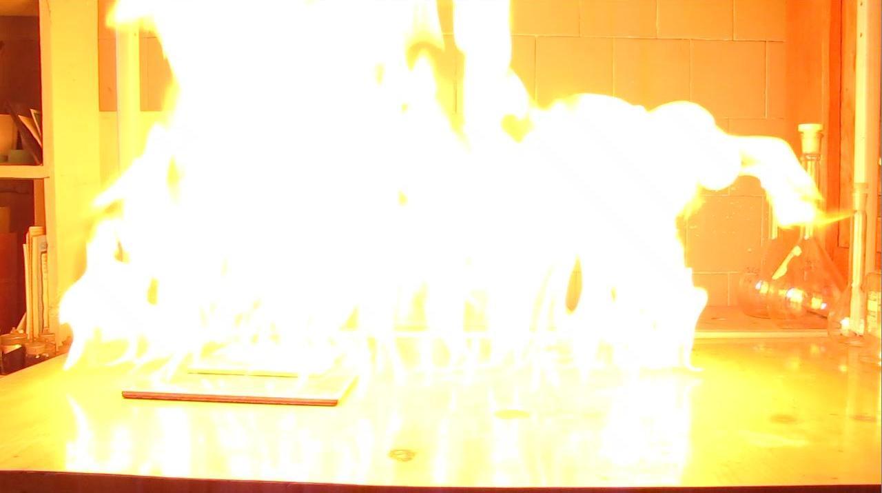 Жидкая пропан-бутановая смесь (горение)