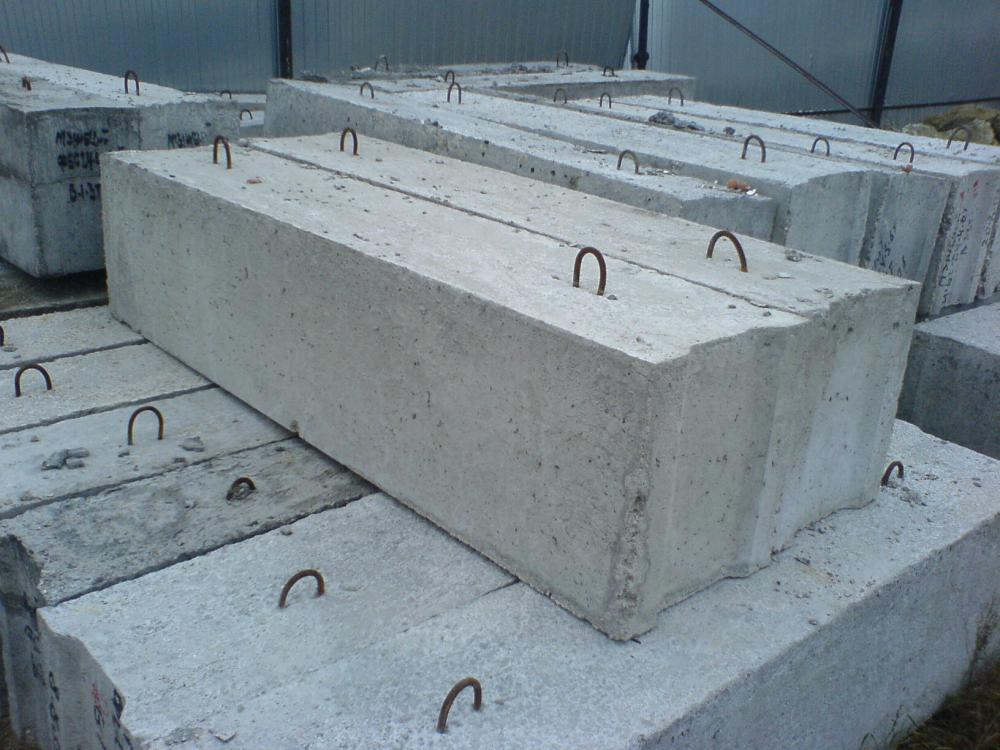 Бетонные блоки (фундаментные)