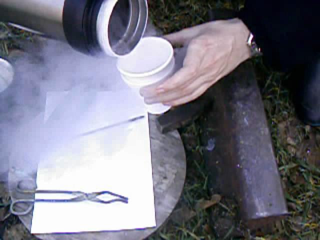 Хрупкость стали (жидкий азот)