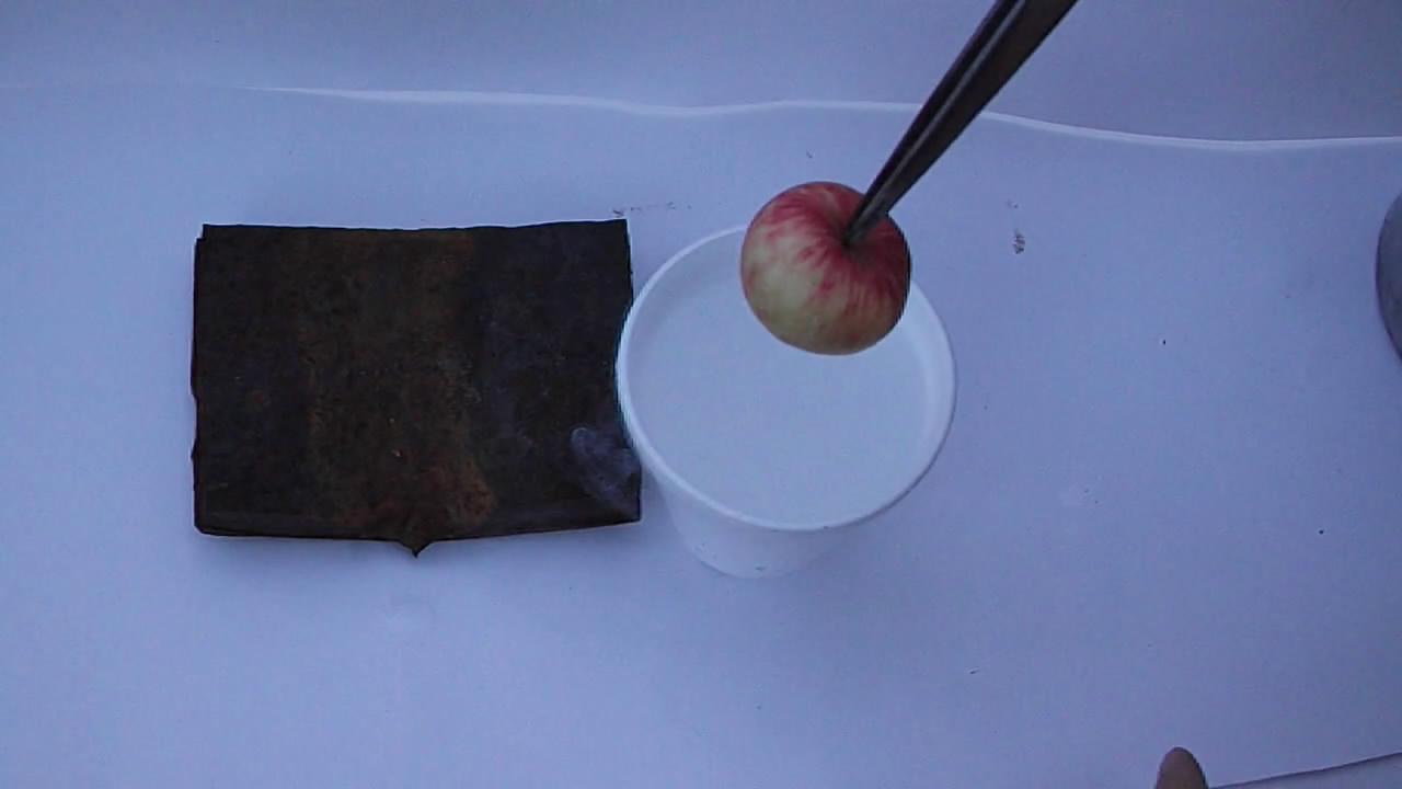 Замораживание и разбивание яблока (жидкий азот)