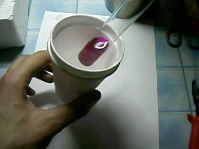 Замораживание спиртового раствора фенолфталеина (с добавкой щелочи)