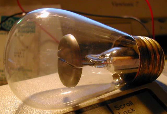 Газоразрядная лампа, заполненная аргоном