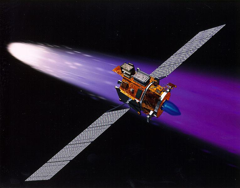 Экспериментальный космический аппарат Deep Space 1 имел ионный двигатель, работающий на ксеноне