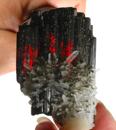 Гюбнерит MnWO4 - важный минерал вольфрама