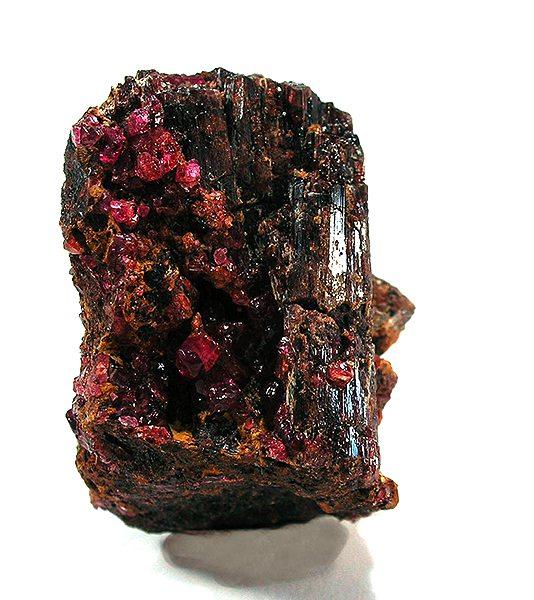 Пейнит - минерал. Борат сложного строения