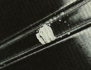 0,3 микрограмма оксохлорида калифорния-249 CfOCl, полученного в 1960 г.