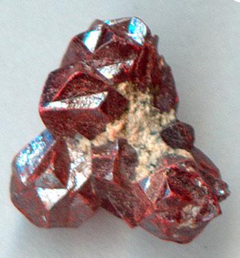 Киноварь (сульфид ртути HgS)