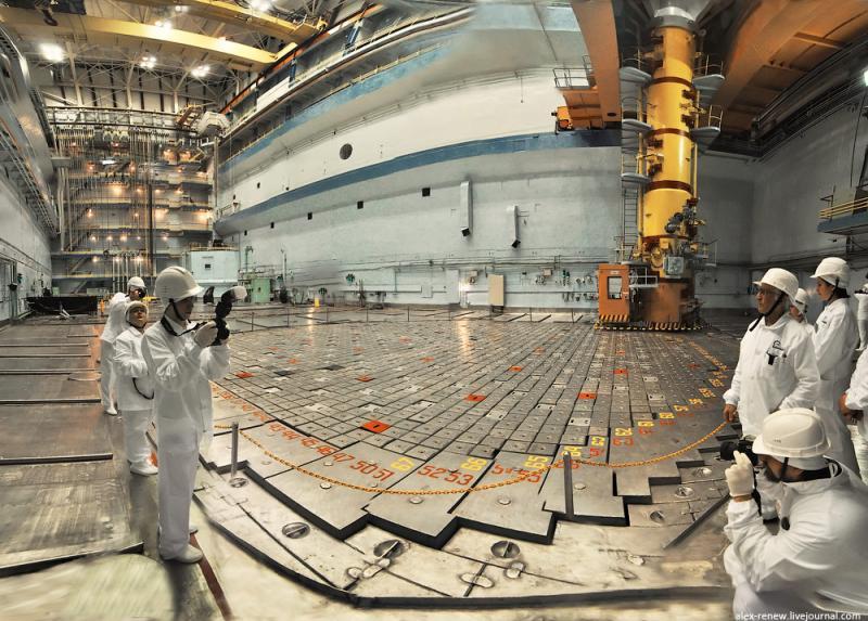 Графитовые блоки атомного реактора