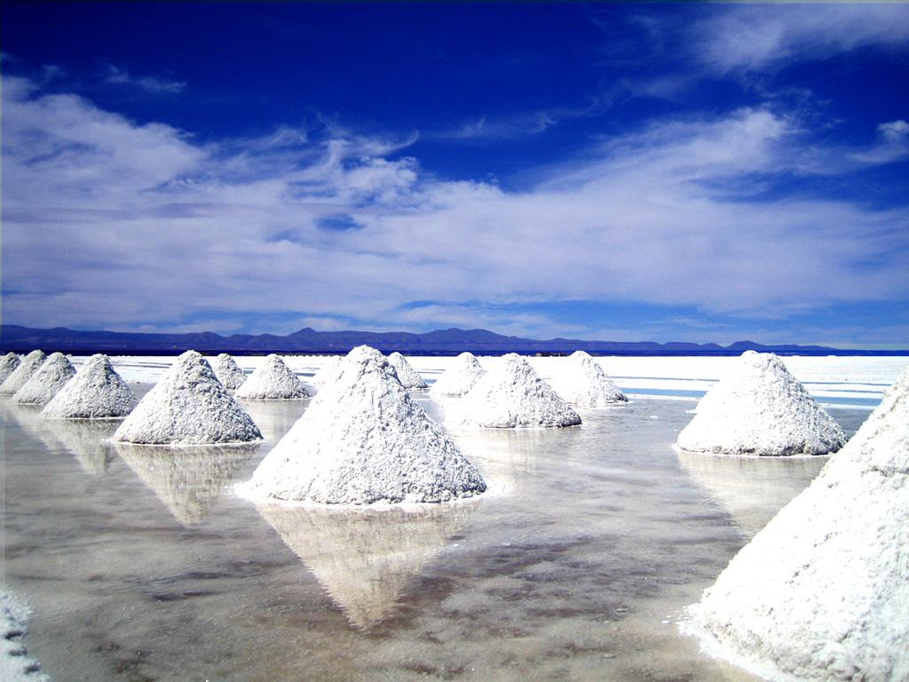 Салар де Юни - соляное озеро в Боливии
