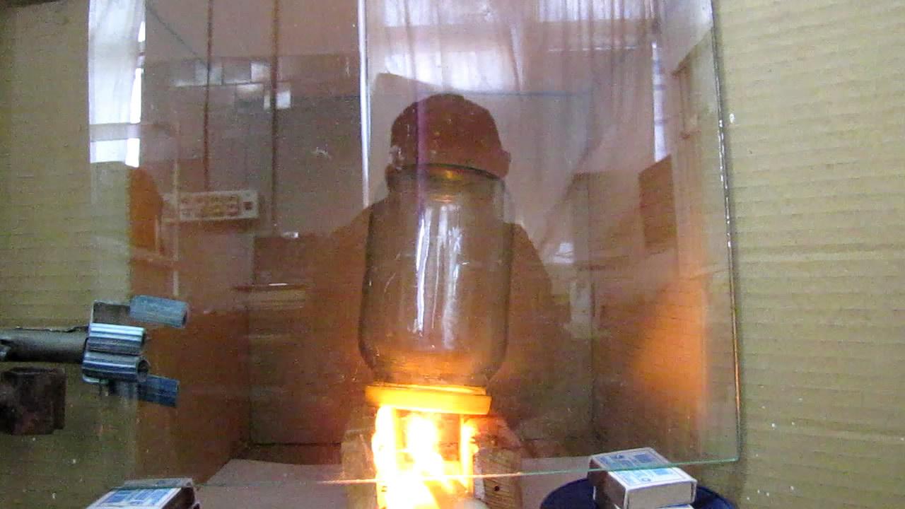 Взрыв гремучего газа в стеклянной банке на 1 л