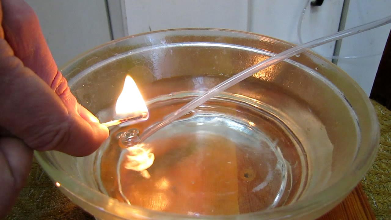 Взрыв пены с гремучим газом