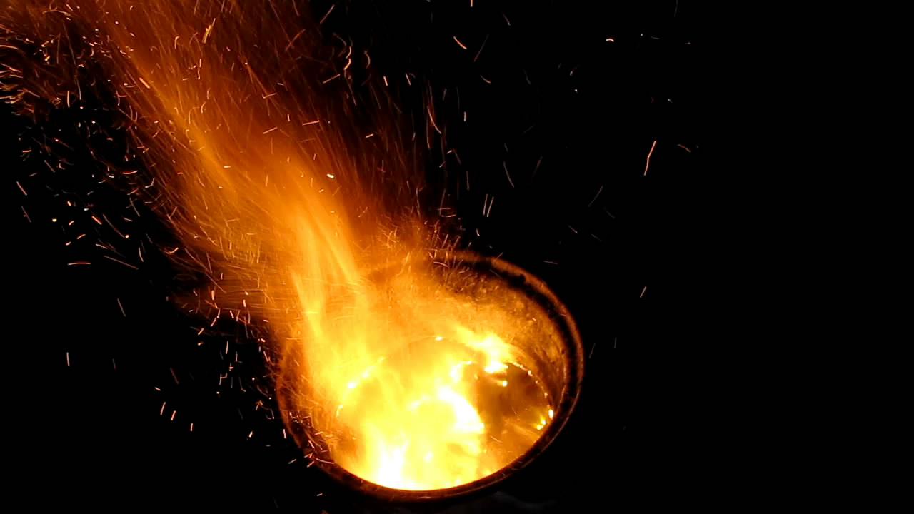 Химический вулкан (758 г смеси аммиачная селитра 90% - уголь 10%)