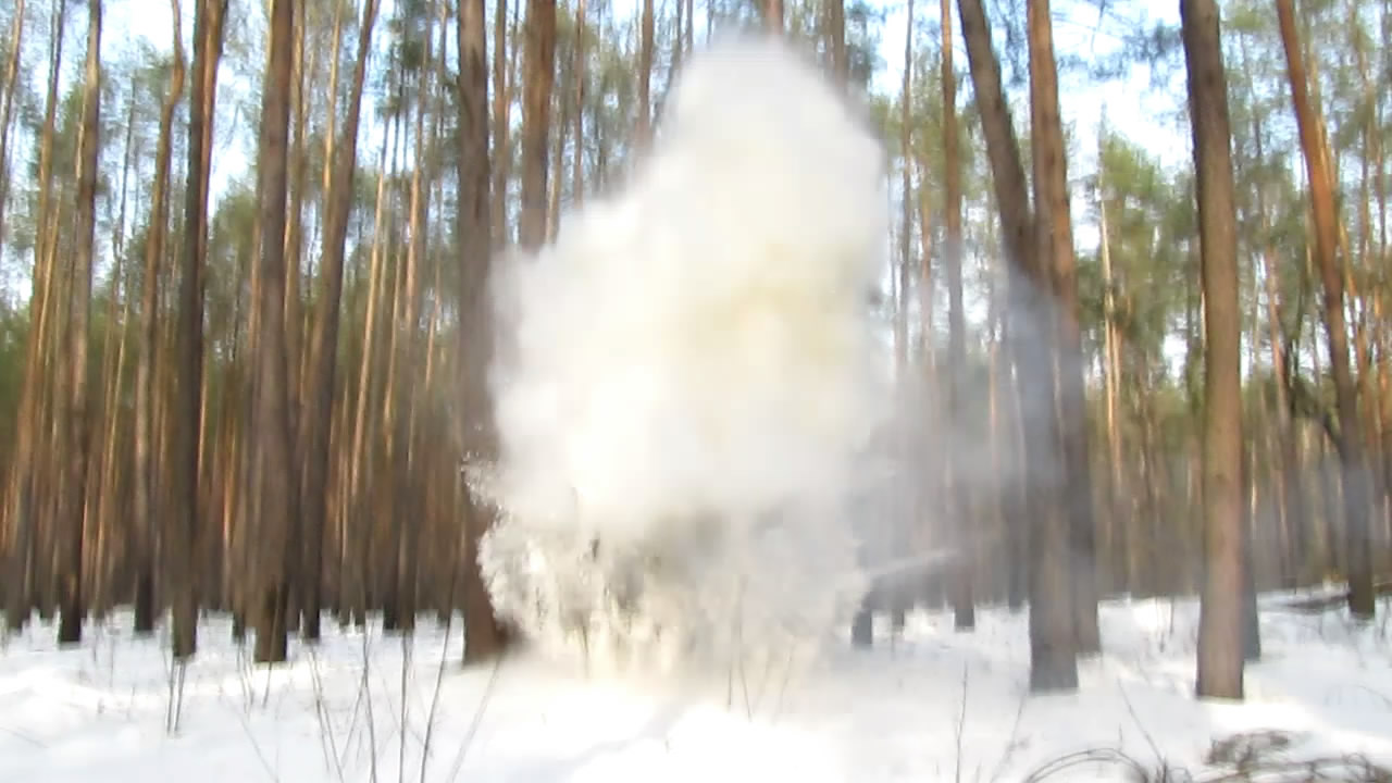 Взрыв смеси аммиачной селитры и глицина (1000 г)