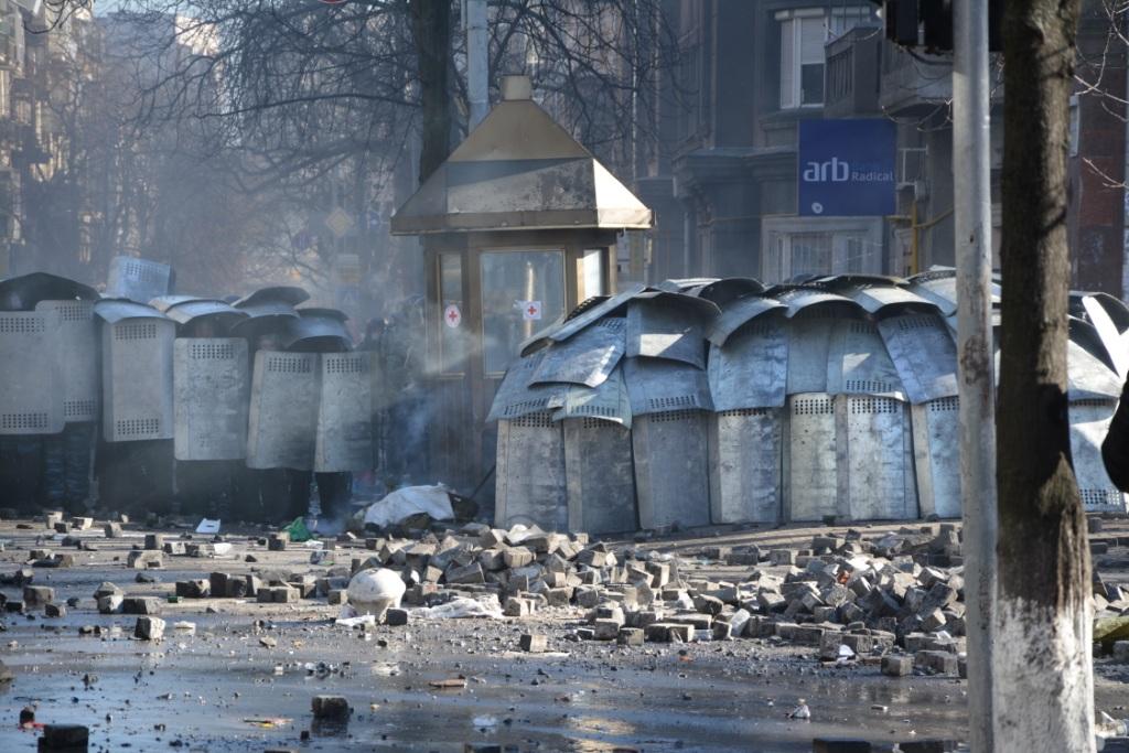 Столкновения на Институтской (18 февраля)
