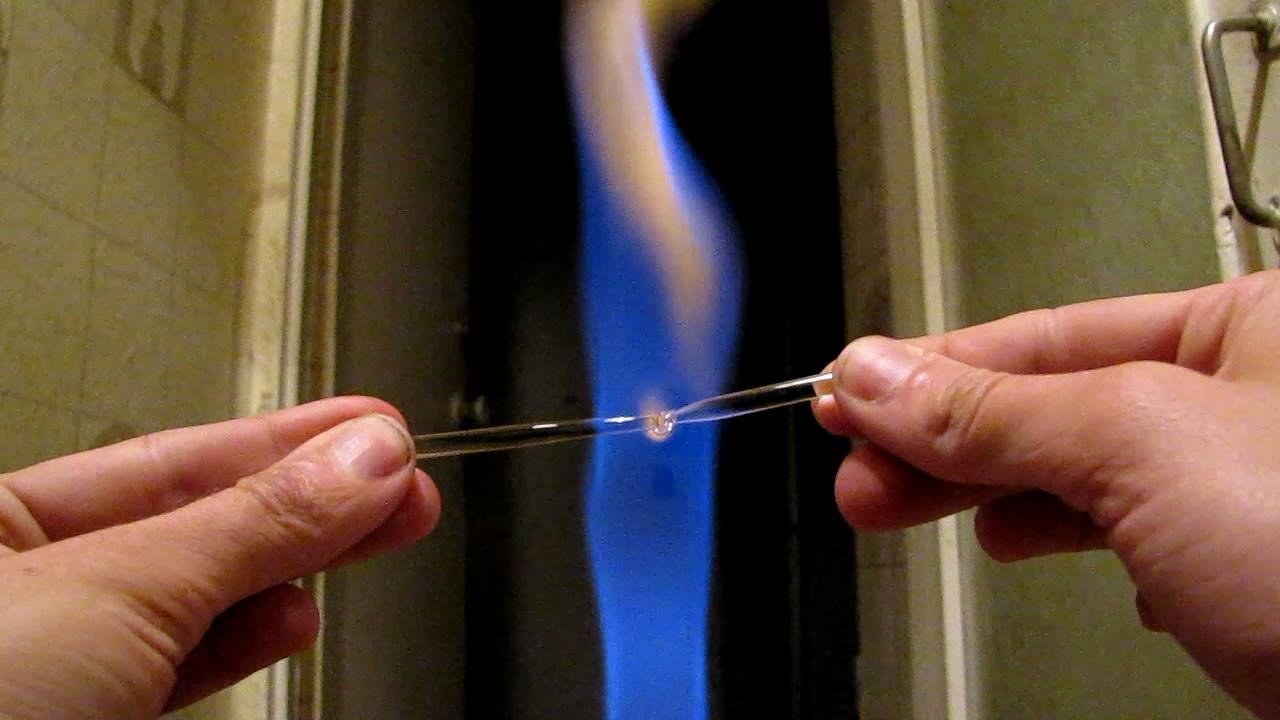Горелка Бунзена и стеклянная палочка