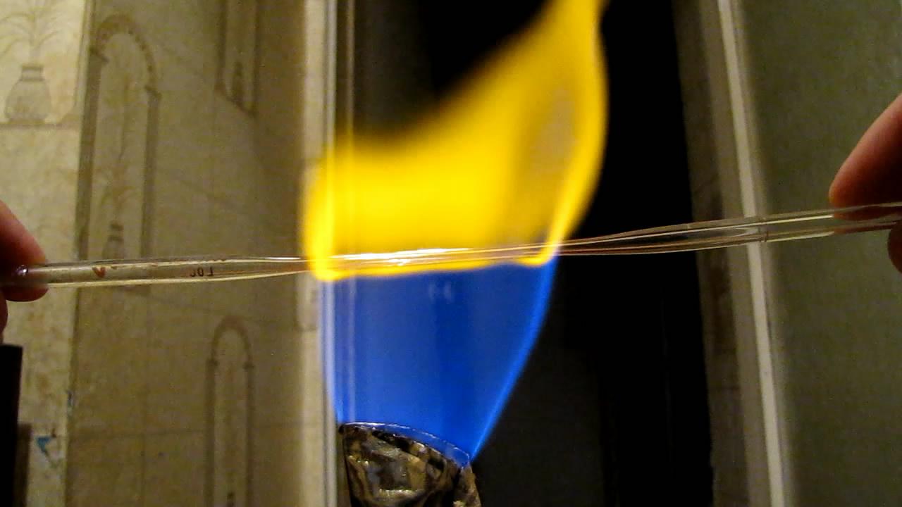 Вытягивание капилляра в пламени горелки Бунзена