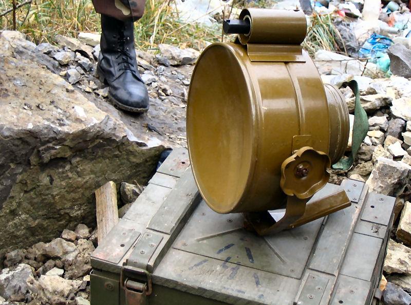 Противотанковая бортовая мина ТМ-83