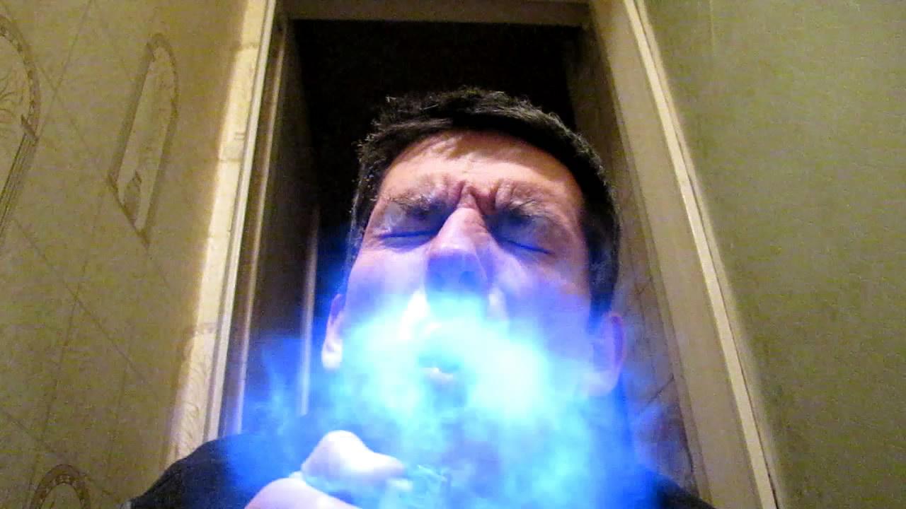 Огненное дыхание (горение метана). Fire breathing (burning of methane)