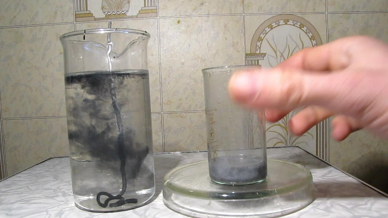 Осаждение металлического железа из раствора хлорида железа (III). The precipitation of metallic iron from a solution of iron (III) chloride