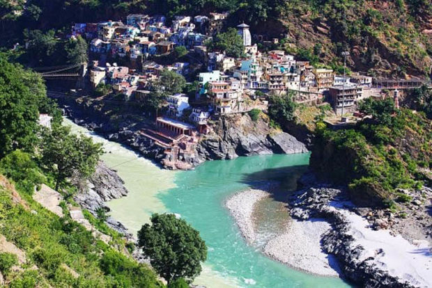 Слияние рек Алакнанда и Бхагиратхи (главный исток реки Ганг). Confluence of Alaknanda and Bhagirathi rivers (Ganges)