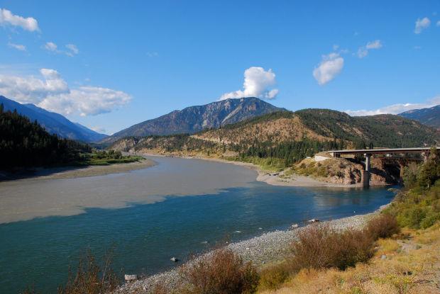 Слияние рек Thompson и Fraser (Канада). Confluence of Thompson and Fraser Rivers (Lytton, BC, Canada)