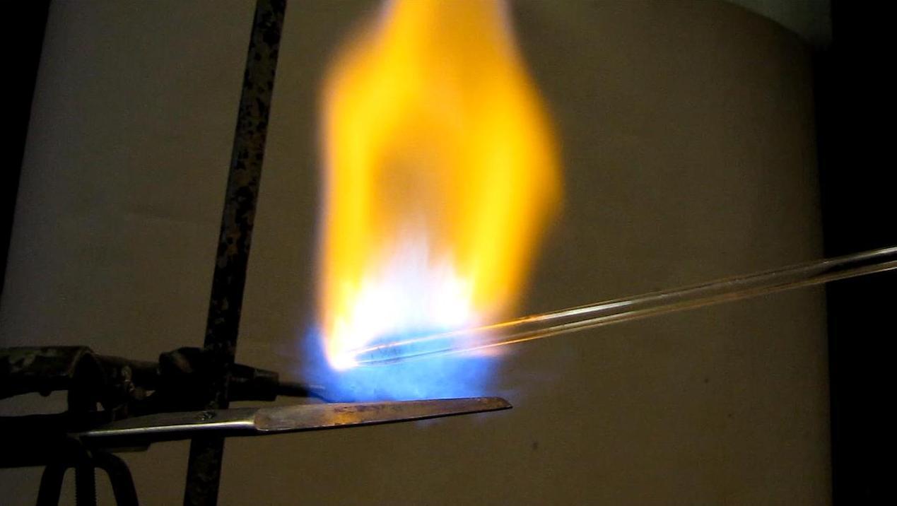Газовое пламя  - отрыв от сопла горелки