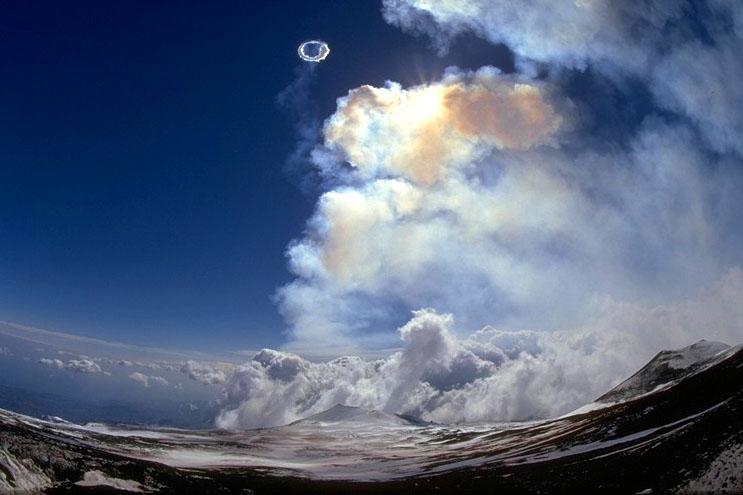 Дымовые кольца - вулкан Этна (Etna)