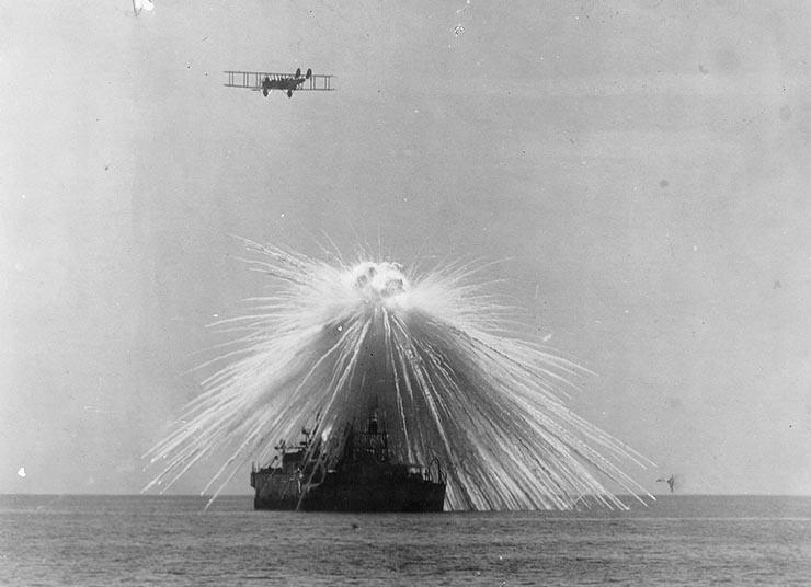 Испытательный взрыв фосфорной бомбы