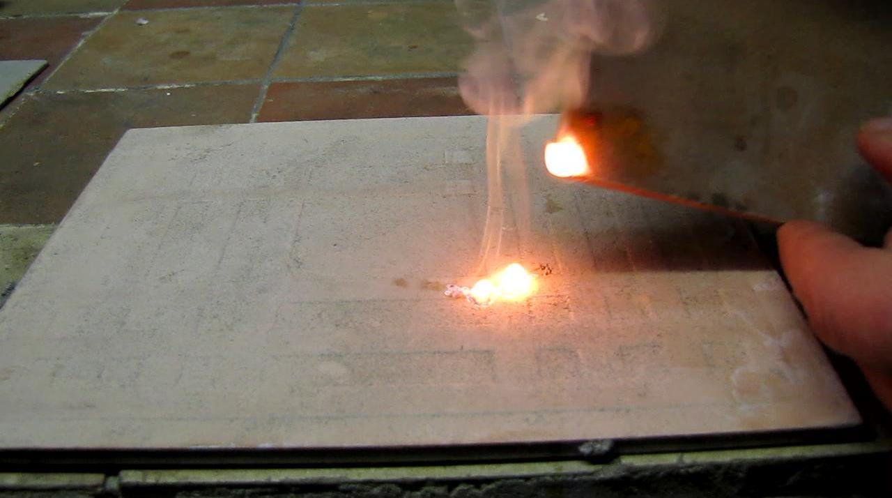 Воспламенение белого фосфора при трении